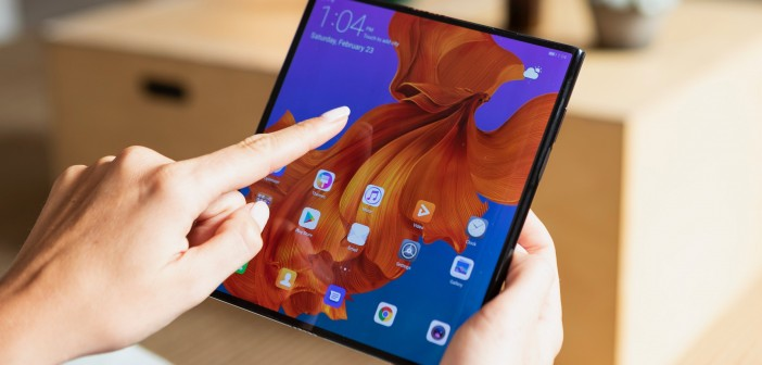 HUAWEI Mate X – the world's fastest foldable 5G phone_2